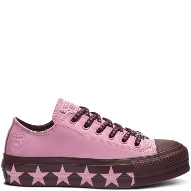 Converse x Miley Cyrus Chuck Taylor All Star Low Top Faux Patent Pink/Dark Burgundy/Pink grande taille